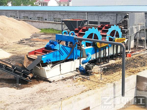 双轮洗砂一体机工作现场